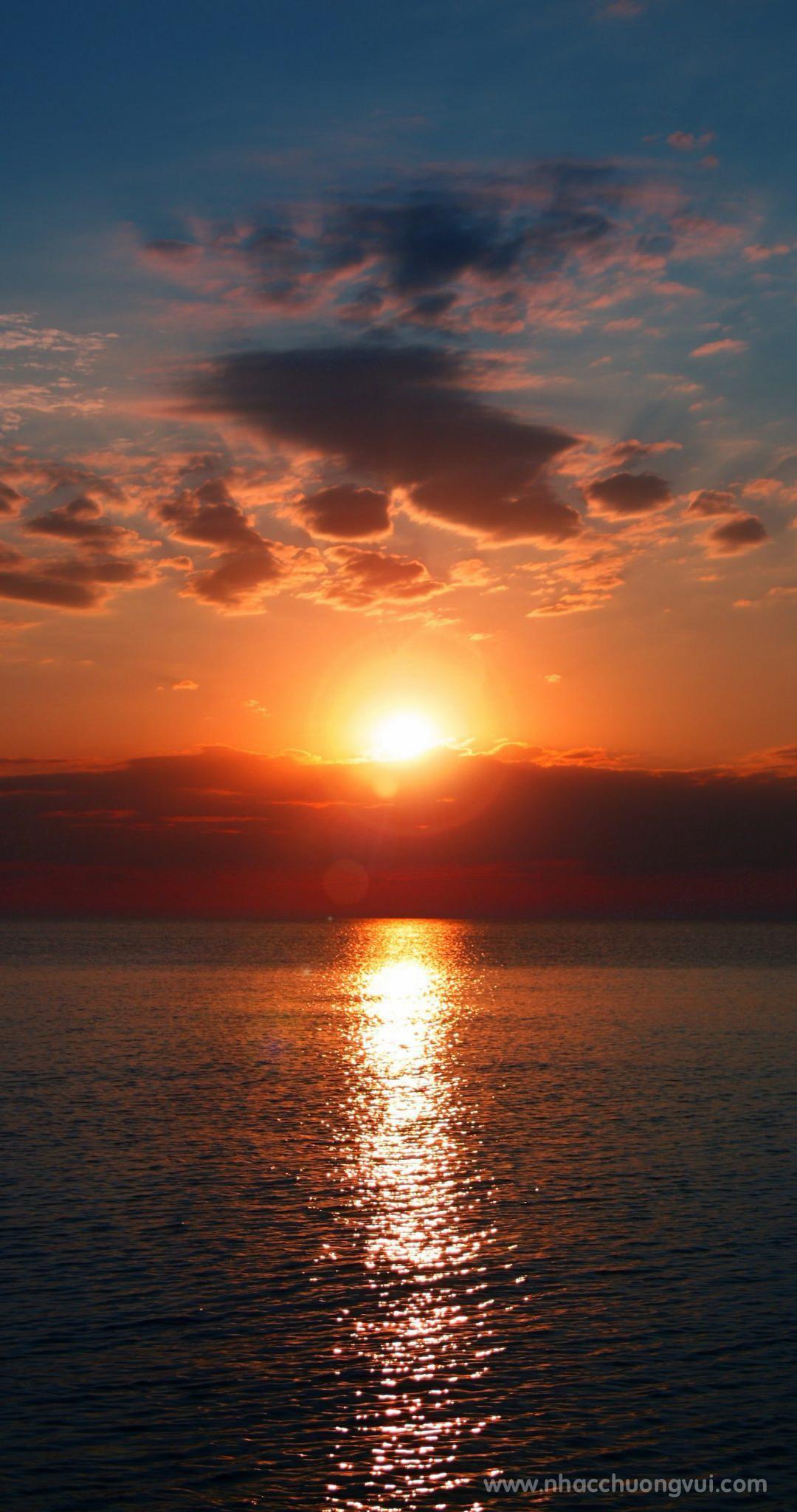 Hình nền mặt trời điện thoại đẹp nhất 7